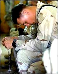 20060918marine-prayer_250.jpg