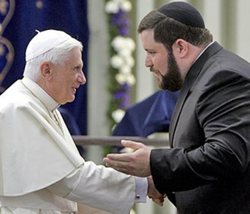XVI.Benedek és a rabbi.jpg