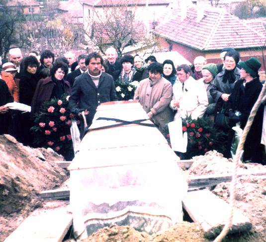 alcance_funeral_ofalu_1985_04_16_535.jpg