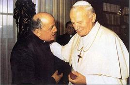 don_Stefano_Gobbi_con II. Giovanni_Paolo.jpg