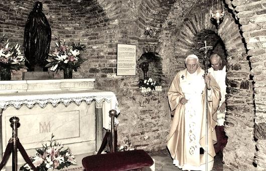 pope-xvi_benedek-in-ephesus_530.jpg
