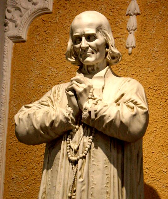 st_-john-vianney-statue-008_535.jpg
