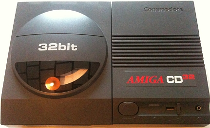 AMIGA CD32 kicsi.jpg