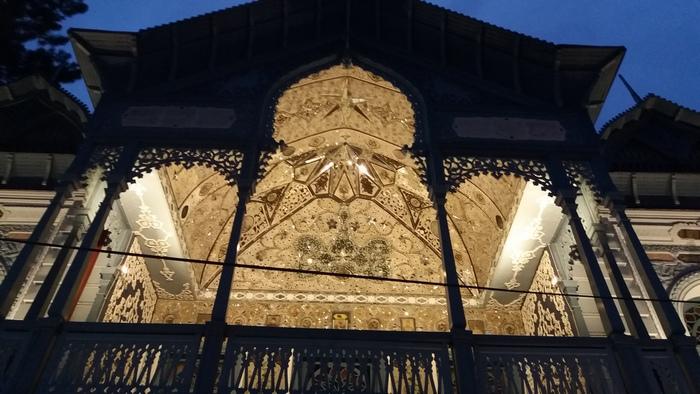 Giccs mindenhol: iráni tulajdonos szállodája
