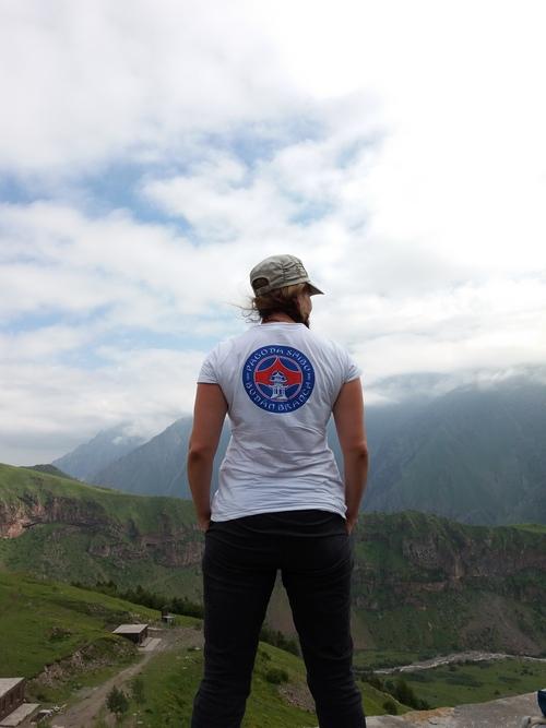 Valahol a felhők takarásában a szégyenlős Kazbek hegy