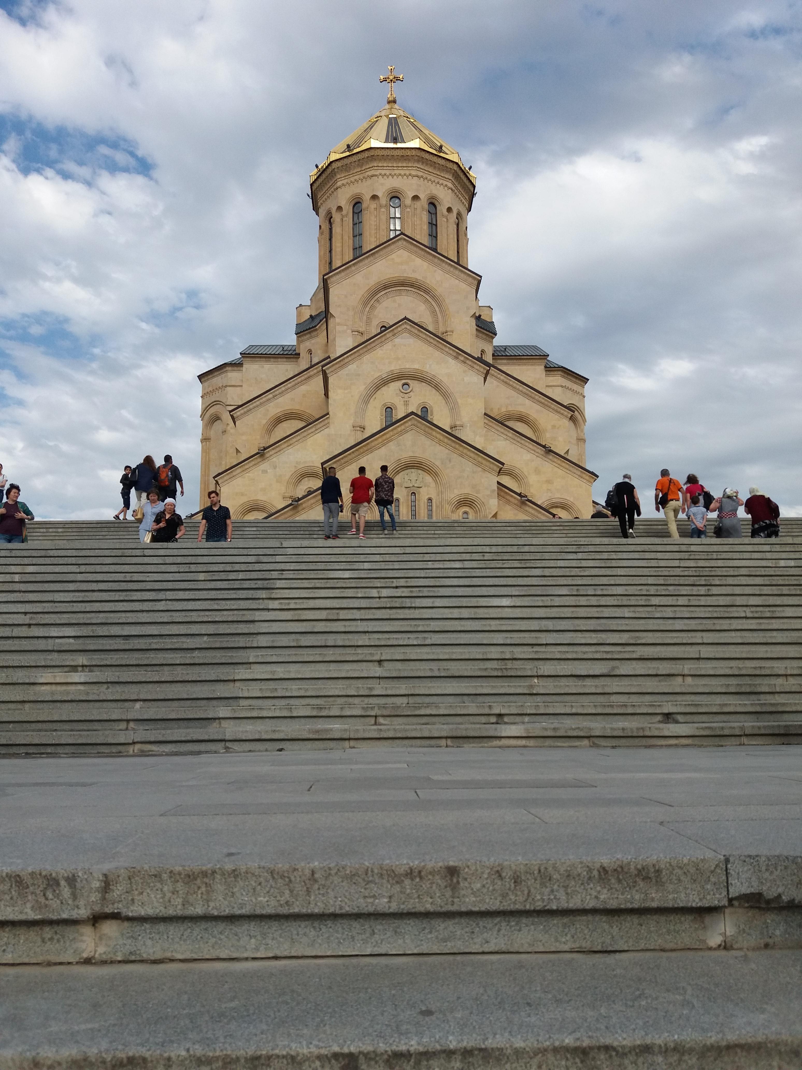 tbilisi_katedralis.jpg