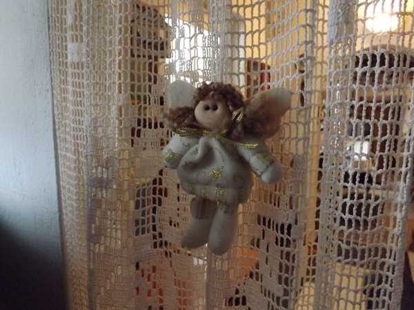és még egy angyalka a függönyön....