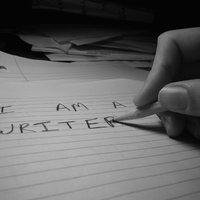 Ne hagyd, hogy az aggodalmaid akadályozzanak az írásban!