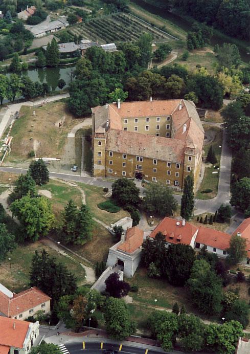 mosonmagyarovar_castle.jpg