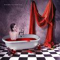 Átirányítás: Mire jó a szüzesség? Véres jelenetek a portugál Grálregényből