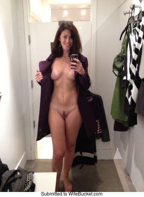 wifebucket-milf-selfie-03.jpg