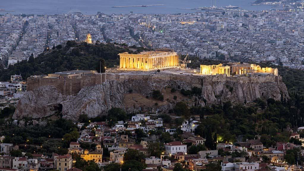 akropolis-von-athen-576x1024.jpg