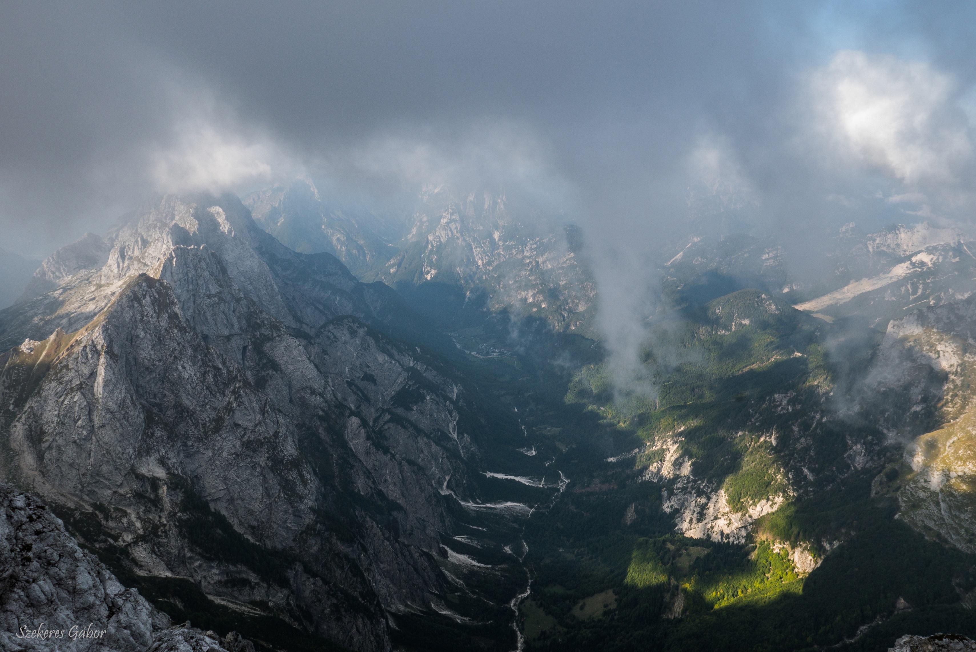 hegy.jpg