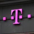 A Deutsche Telekomhoz fordul Szigetvári Viktor a Fidesznek nyújtott pártfinanszírozás gyanúja miatt