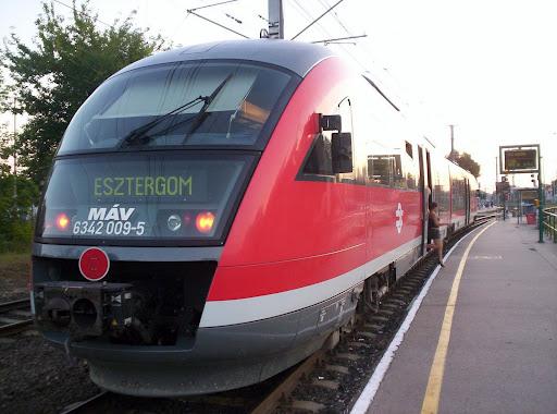 Esztergom4 vonat.jpg