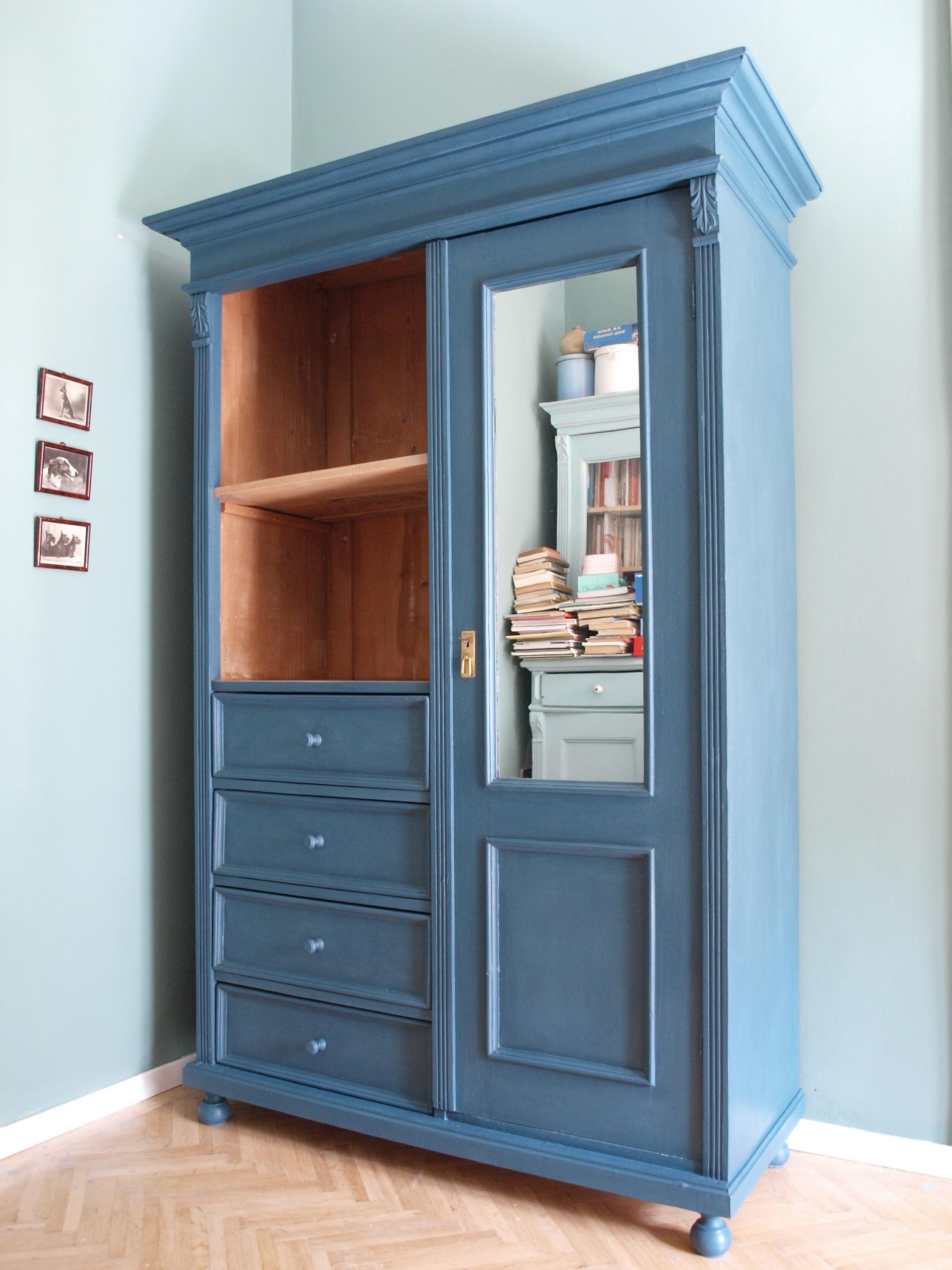 A szín az Aubusson Blue ddf17e041a