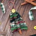 A legegyszerűbb karácsonyfadíszek egyike - újrahasznosított textildarabokból