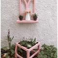 Egy régi szék új szerepe a kertben