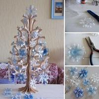 Karácsonyfa újrahasznosított alapanyagokból