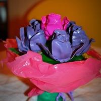 Olvasói alkotás: Bori virágcsokra műanyag kanalakból