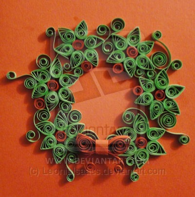 quilled_christmas_wreath_by_leonieisaacs-d3910ln.jpg