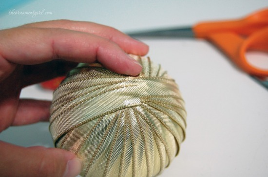 glue-end-of-ribbon.jpg