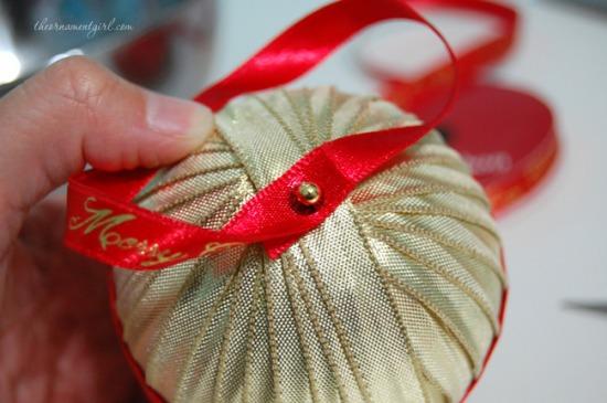 ribbon-ornament-hanger.jpg