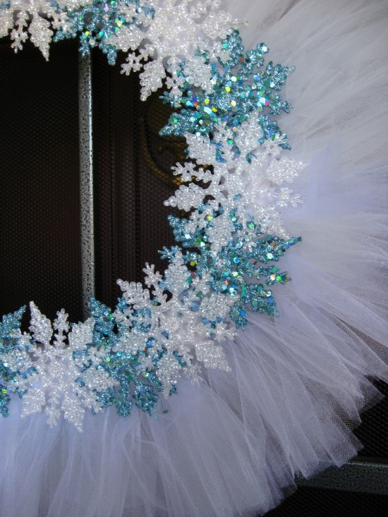 snowflake tulle wreath pic 3 edited.jpg