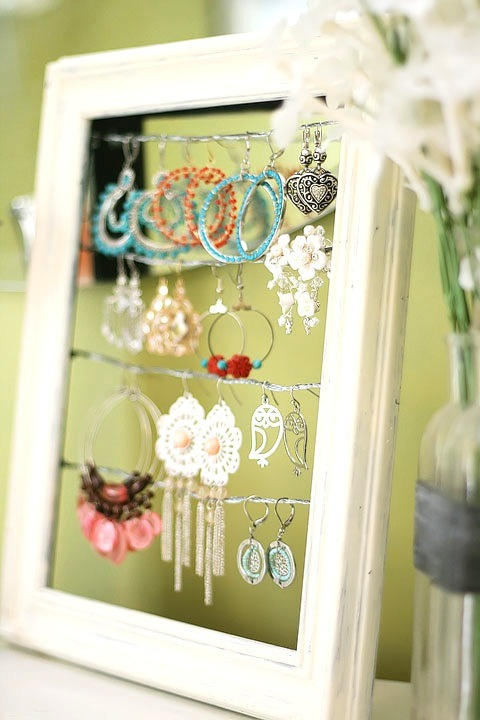 shabby-chic-altered-picture-frame-dangly-earring-jewelry-display-holder-3.jpg