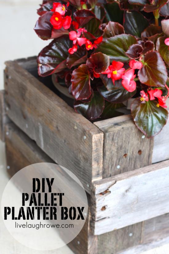 DIY-Pallet-Planter-Box-682x1024.png