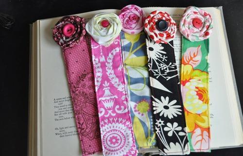 fabric-flower-bookmark.jpg