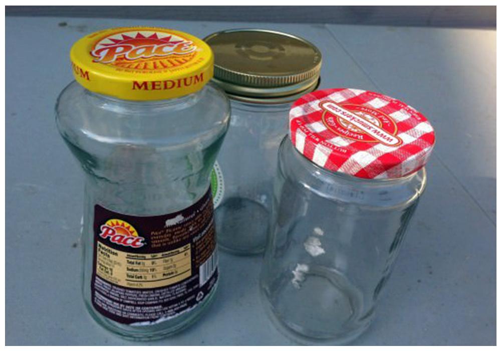 bathroom-organization-upcycled-jars-550x413.jpg
