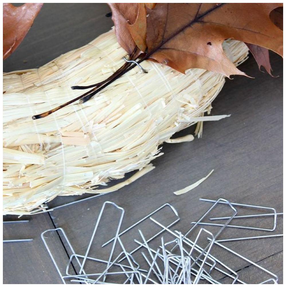 easy-real-oak-leaf-wreath-crafts-seasonal-holiday-decor-wreaths_1.jpg