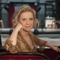 Eszenyi Enikő a prágai Operában rendez