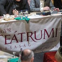 A színházba járás népszerűsítésére szervez kampányt a Teátrumi Társaság