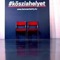 Több mint 100 fiatal kapott jegyet a budapesti Katonától