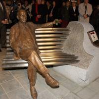 Kálmán Imre szobor