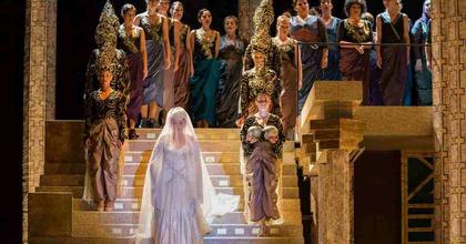 Jön a Sába királynője az Erkelben