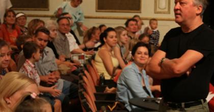 Készül a János vitéz a Pécsi Nemzeti Színházban