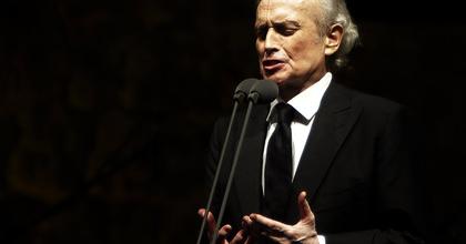 José Carreras gálaestet ad a milánói Scalában