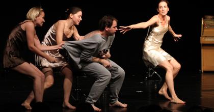 Balázs Zoltán kisopera-rendezése Genfben vendégeskedik