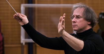 Keller András: Kurtág zenéjének értő megszólaltatása önfeláldozást igényel