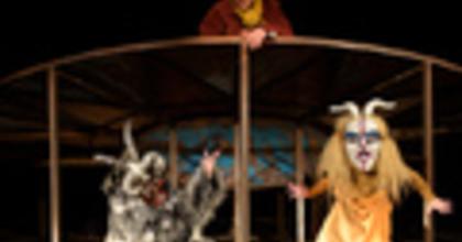 Élet-halál kérdések a Vaskakas Bábszínházban