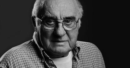Elhunyt Bősze György