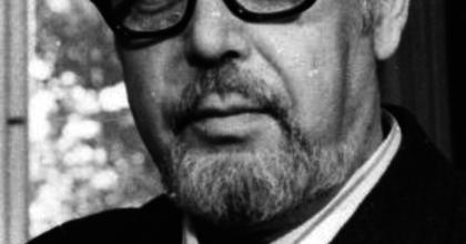 Posztumusz díszpolgári címet adományozott Várkonyi Zoltánnak a II. kerület