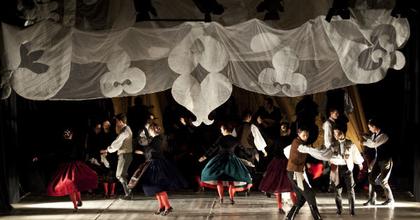 A tánc világnapja - Nyitott kapuk a Háromszék Táncegyüttesnél
