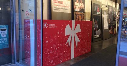 Karácsonyi adománygyűjtés és jegyvásár a budapesti Katonában
