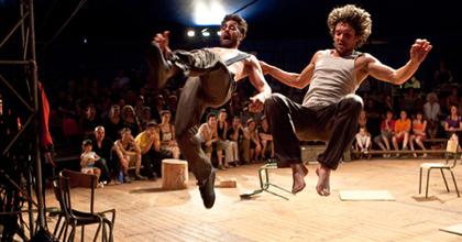 Risque Zéro - Francia cirkusszínház az Ördögkatlanon!