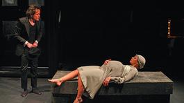 Esterházy Mercedes Benze a Pesti Színházban
