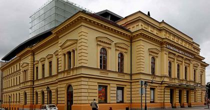 Öten pályáznak a székesfehérvári színházra